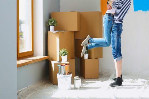 couple entrain de déménager